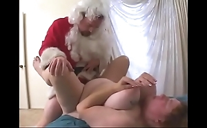 This babe receives a dilod for christmas coupled with copulates themselves wiht it