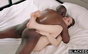 Blacked tori nefarious has intense bbc sex nigh will not hear of torpedo