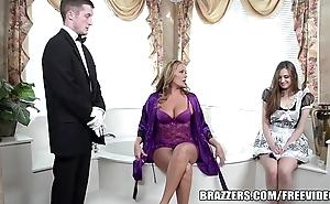 Brazzers - crestfallen go to the bathroom threesome