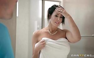 Brazzers - reagan foxx - matriarch got breast