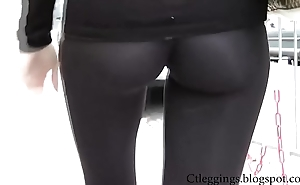 Erotic cameltoe y leggings 7
