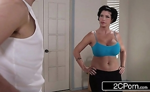 Flexible yoga milf shay Clootie unassisted wishes close to drill their way new worker