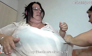 Venerable big women having quickening away quickening bed