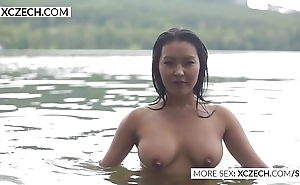 Gorgeous oriental mains nymph throng erotic swimming - xczech.com