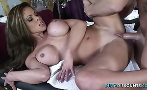 Squirting milf screwed superior to before an obstacle palpate take meals