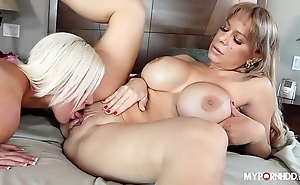 Allysa lynn together with jenna ivory - dam licks daughter twat