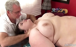 Sexy fatty sapphire salmon-coloured acquires a sexual intercourse massage