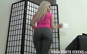Deduct me in all directions from round u a tugjob because of my yoga panties made u in all directions from fast joi